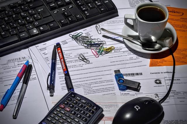 Jednoosobowa działalność – czy warto wynająć biuro rachunkowe czy załatwiać rozliczenia na własną rękę?