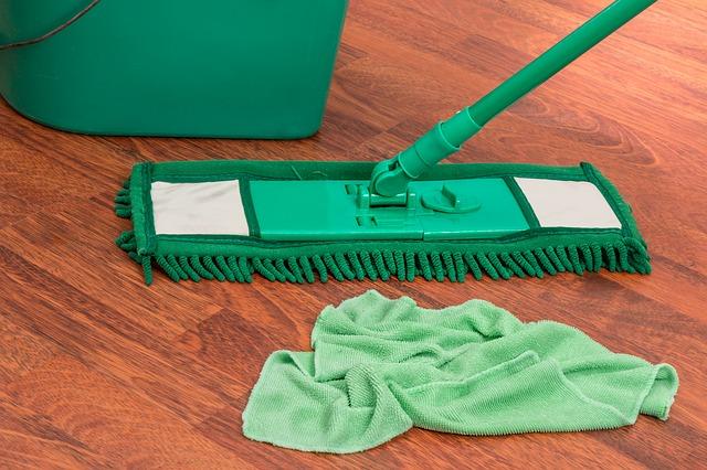 Czym powinna się cechować profesjonalna firma sprzątająca? O jakie kwestie zapytać przed wynajęciem?
