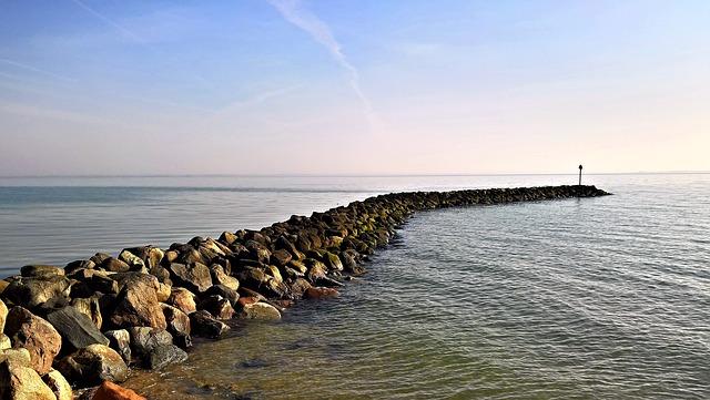 Jakie nadmorskie miejscowości są najlepsze na wypoczynek nad polskim morzem?