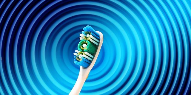 Różnice między dentystą, stomatologiem i ortodontą